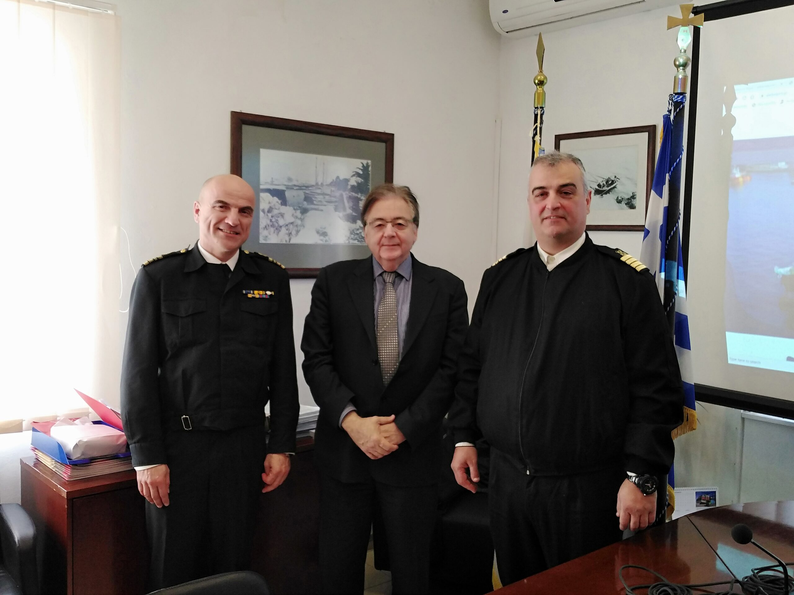 You are currently viewing Εθιμοτυπική επίσκεψη του νέου Λιμενάρχη Ελευσίνας στον Ο.Λ.Ε. ΑΕ