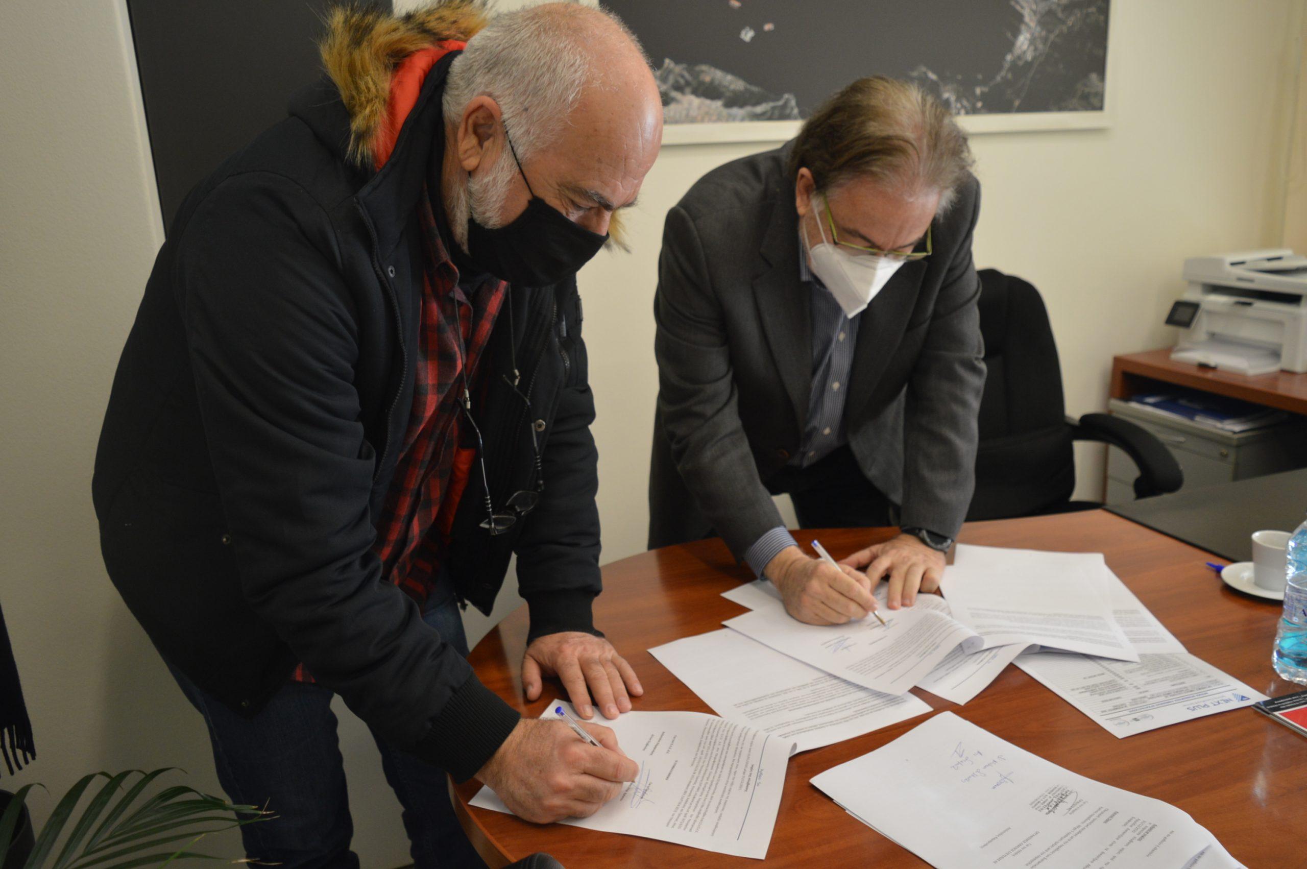 Υπογράφηκε η νέα Επιχειρησιακή Συλλογική Σύμβαση Εργασίας του υπαλληλικού προσωπικού στον Ο.Λ.Ε. ΑΕ