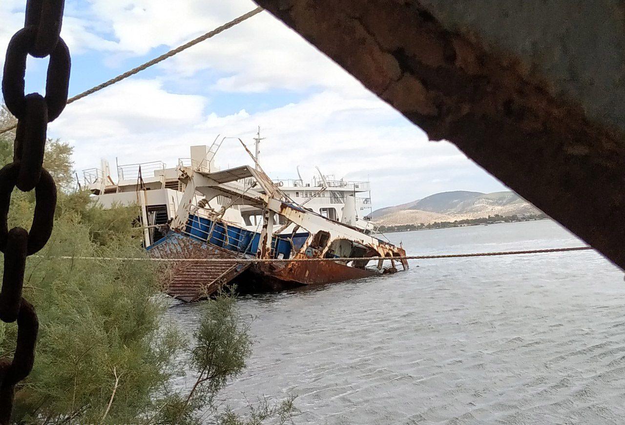You are currently viewing Πέντε ναυάγια και επικίνδυνα-επιβλαβή πλοία απομακρύνθηκαν οριστικά από τον κόλπο της Ελευσίνας