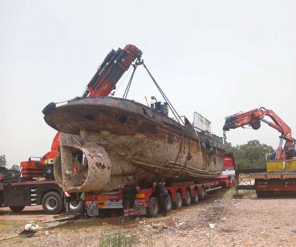 You are currently viewing Άλλο ένα επικίνδυνο και επιβλαβές πλοίο απομακρύνθηκε οριστικά από την περιοχή της Ελευσίνας